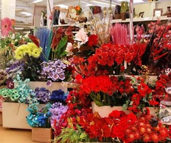Где купить оптом цветы в спб